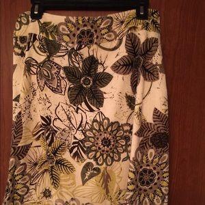 Ladies Christopher & Banks Skirt Size 6